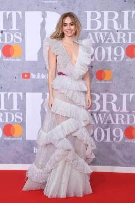 Suki Waterhouse in Rami Khadi con gioielli TIffany & Co. ai Brit Awards, London
