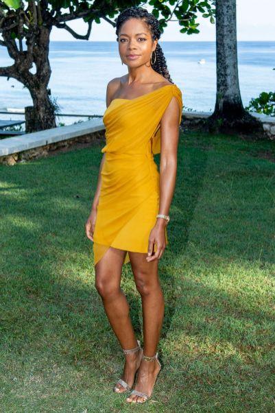 Naomie Harris in Cushnie et Ochs al Bond 25 film launch at Ian Fleming's home, Jamaica.