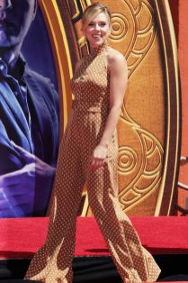 Scarlett Johansson in Zimmermann al TCL Chinese Theatre , Hollywood.