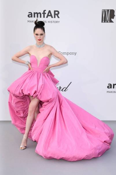 Coco Rocha in Ashi Studio Haute Couture all'amfAR Cannes Gala