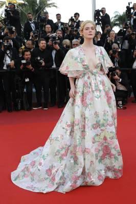 Elle Fanning in Valentino Haute Couture alla Miserables Premiere, Cannes Film Festival