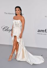 Eva Longoria in Alberta Ferretti all'AmfAR Gala, Cannes