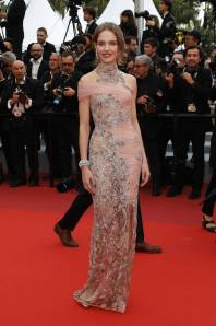 Natalia Vodianova in Atelier Versace al Cannes Film Festival Red Carpet 2019