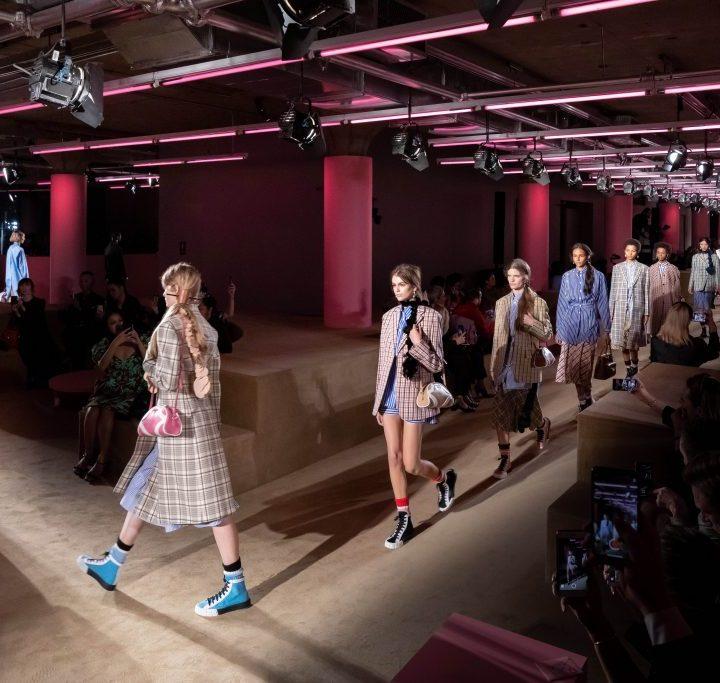 La moda easy delle Prada Resort 2020