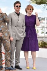 Richard Madden in Dior e Bryce Dallas Howard al photocall per Rocketman, Cannes Film Festival