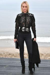 Amber Valletta in Saint Laurent al Saint Laurent menswear show, LA