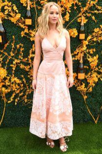 Jennifer Lawrence in Rosie Assoulin al Veuve Clicquot polo, New Jersey