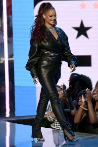 Rihanna in Fenty ai BET Awards
