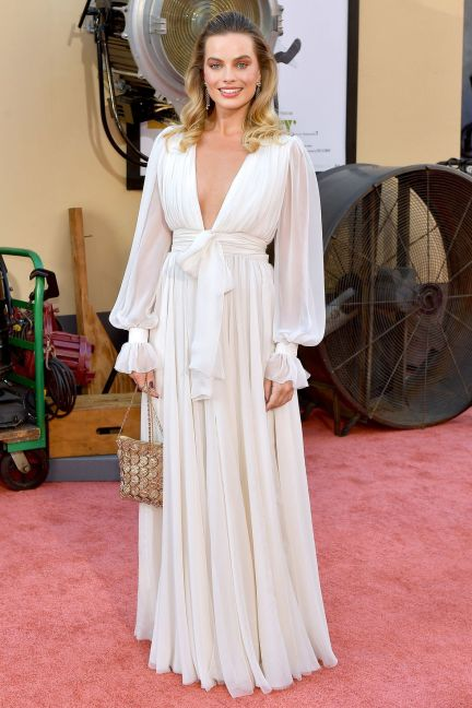 Margot Robbie in Chanel alla premiere of Once Upon a Time in Hollywood, LA