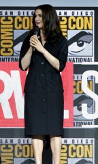 Rachel Weisz in Burberry al Comic-Con International 2019 Marvel Studios Panel, San Diego