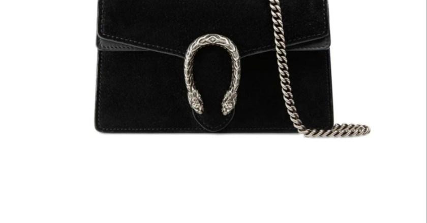 Tornano di moda le borse in suede, un accessorio dal fascino senza tempo