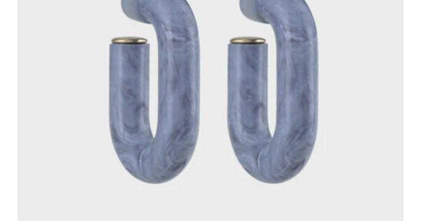 Accessori per l'estate: gli orecchini colorati sono un must