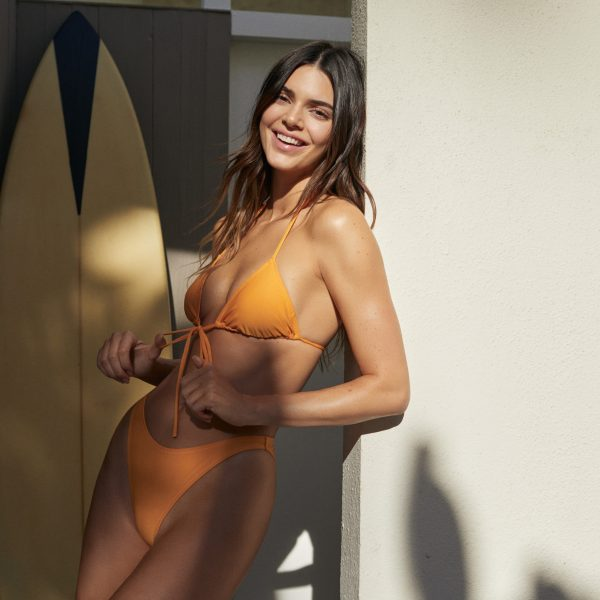 """""""Kendall for ABOUT YOU"""", arriva la capsule collection a tempo"""
