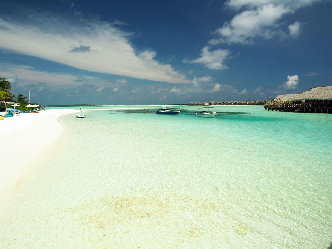 Lagoon Bar LUX Maldives