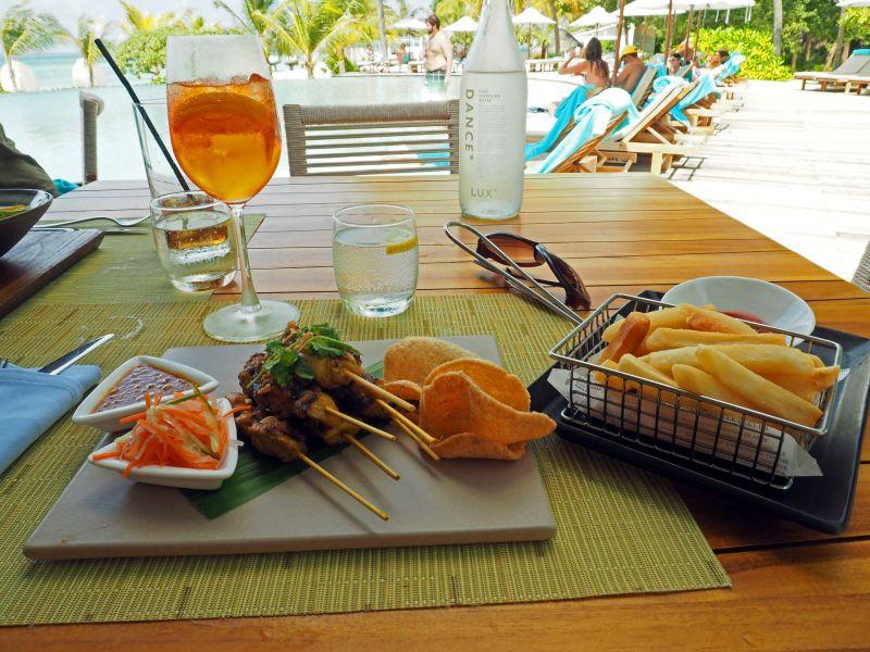 Lunch at Veli Bar LUX Maldives