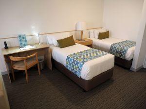 Twin beds Sails Port Macquarie
