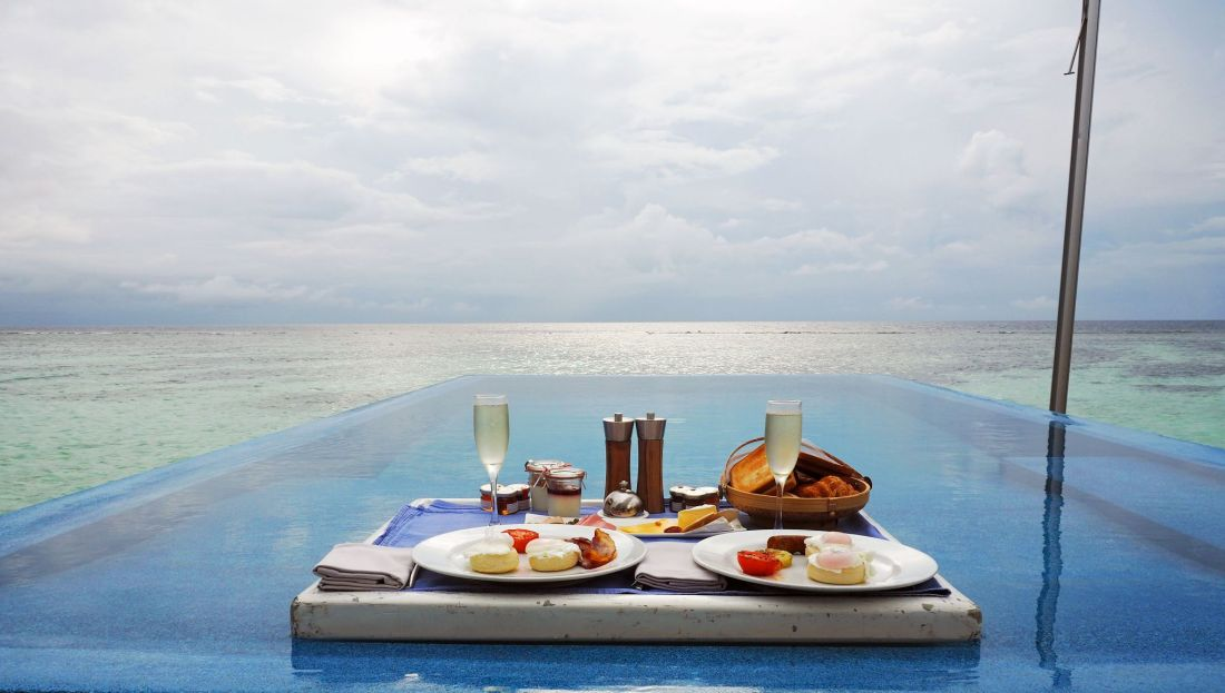 Floating Breakfast LUX South Ari Atoll in infinity pool