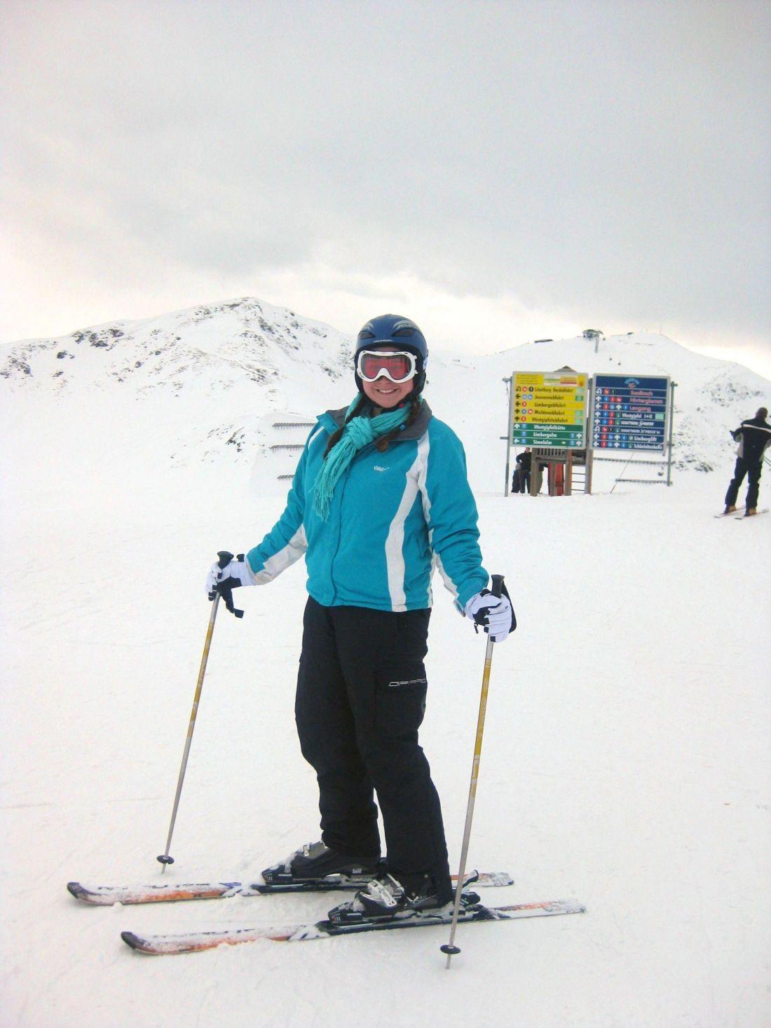 Girl skiing Saalbach