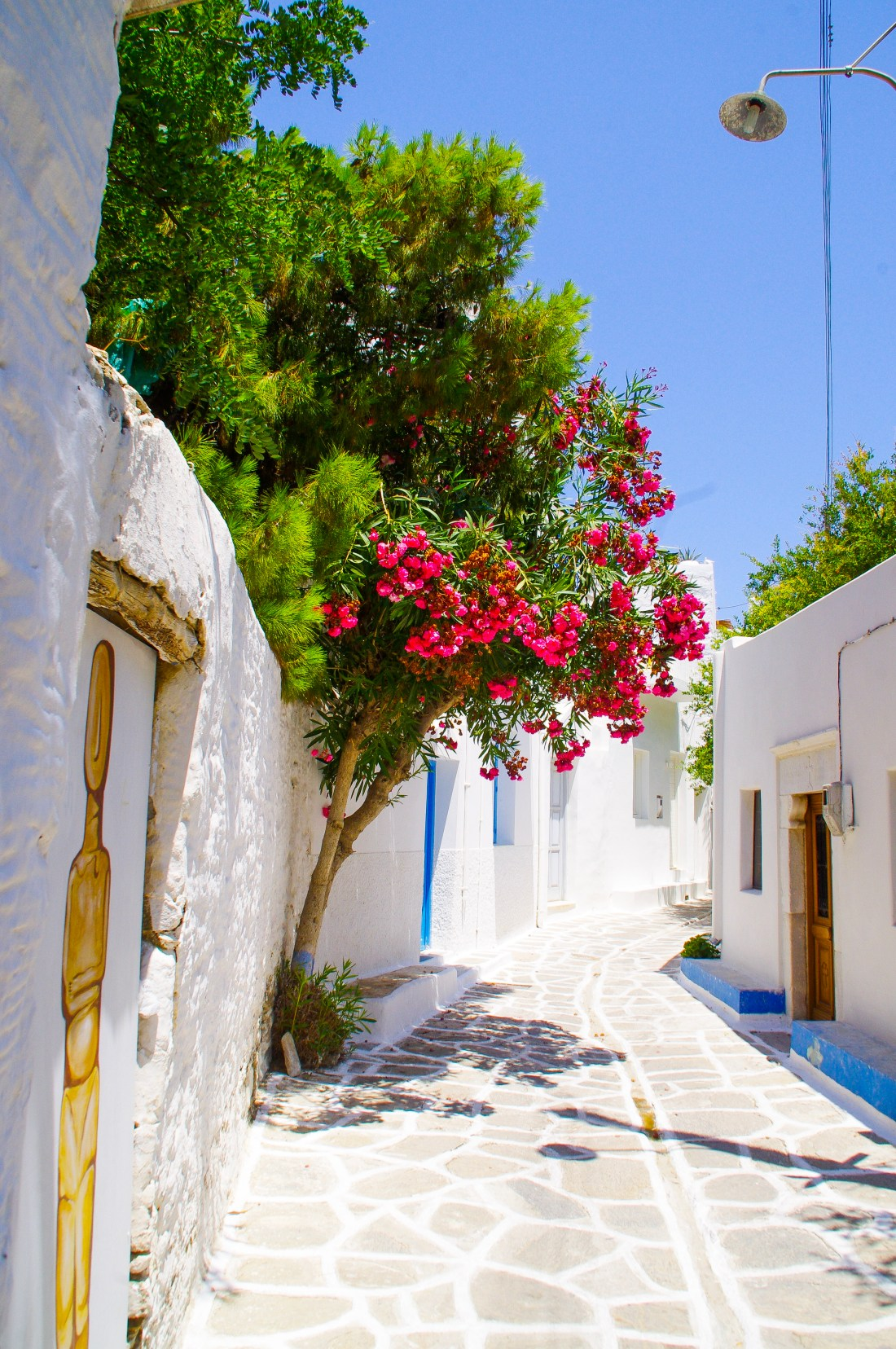 Streets-of-Parikia-Paros