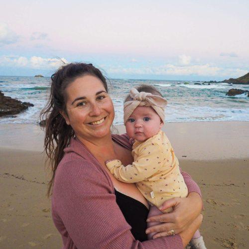 Simone-and-Addie-at-beach