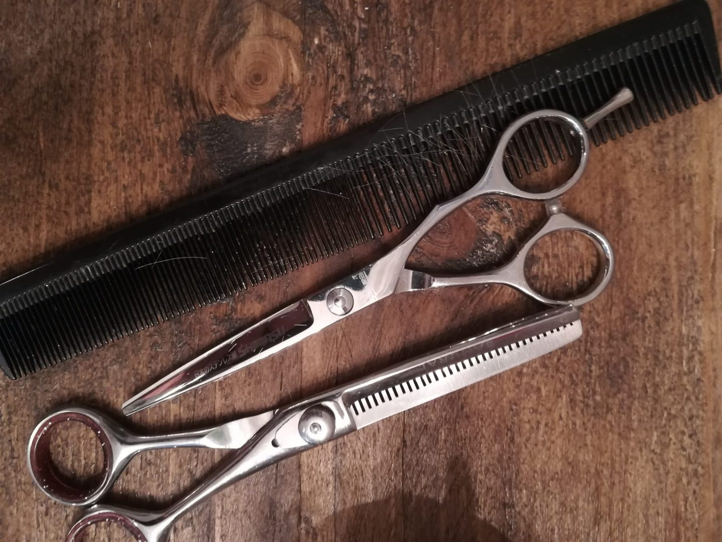 Autism friendly haircuts, hairdresser Scissors and comb