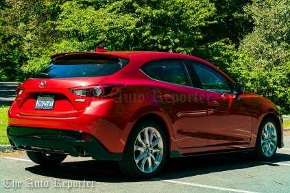 2016 Mazda3 S Grand Touring Hatch_08