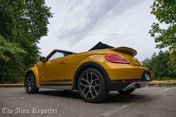 2016-volkswagen-beetle-dune-convertible_05
