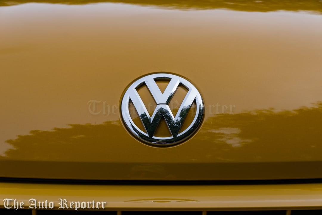 2016-volkswagen-beetle-dune-convertible_12