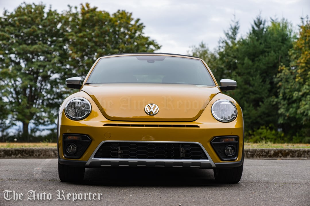 2016-volkswagen-beetle-dune-convertible_26