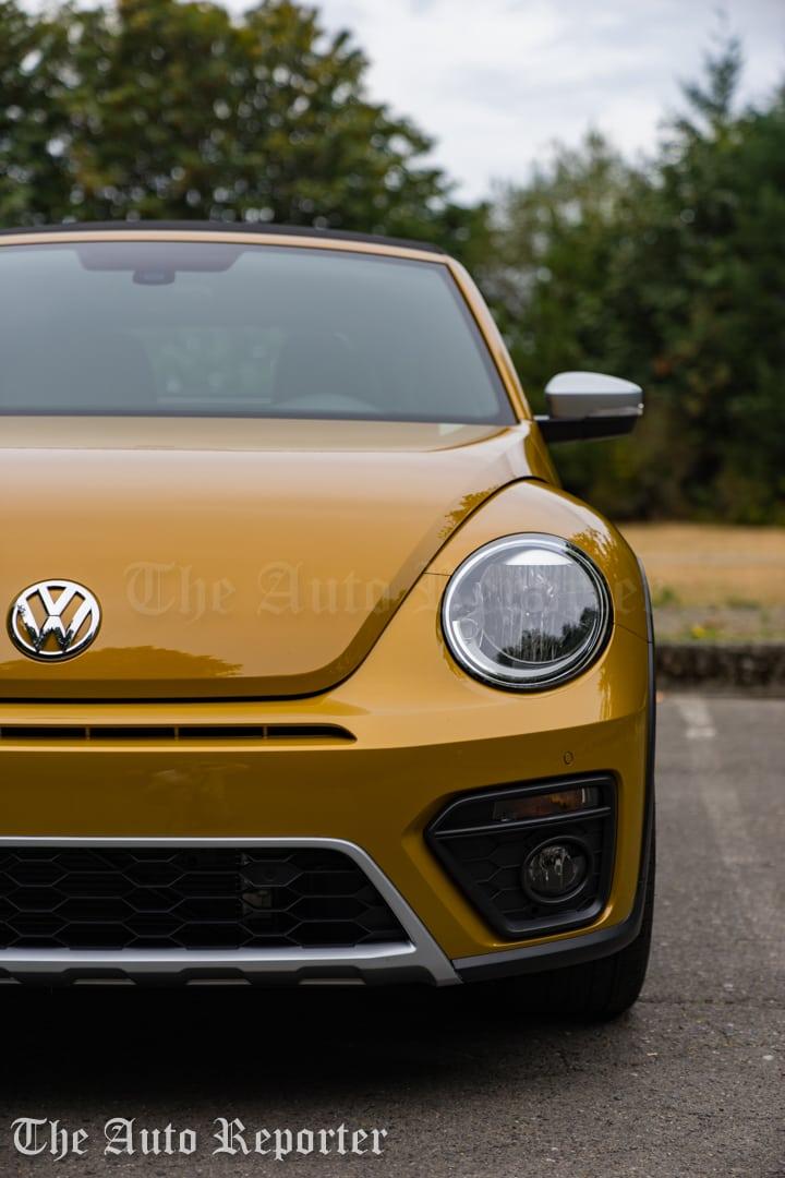 2016-volkswagen-beetle-dune-convertible_36