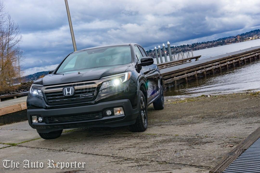 2017 Honda Ridgeline Black Edition _ 04