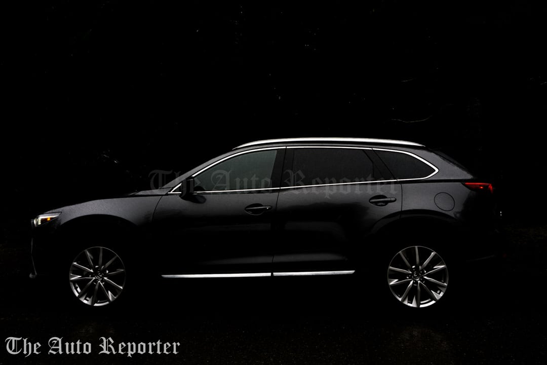 2017 Mazda CX-9 Signature _ 01