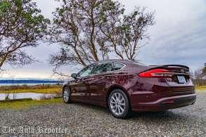2017 Ford Fusion Hybrid _ 18