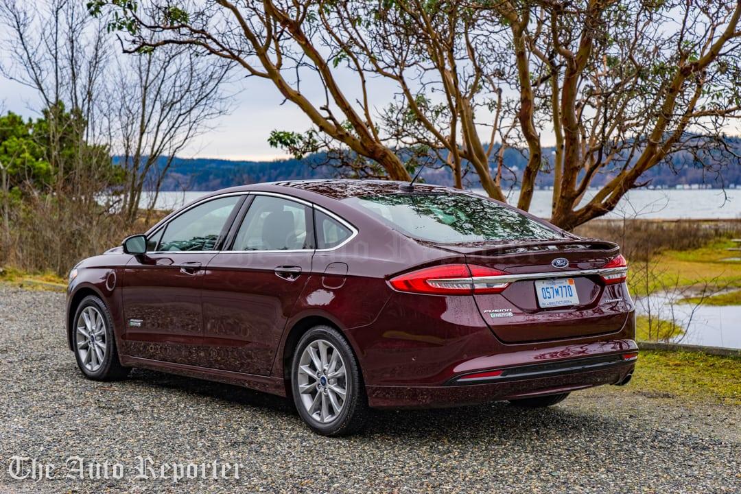 2017 Ford Fusion Hybrid _ 20