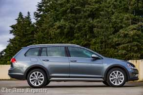 2017 Volkswagen Golf Alltrack-17