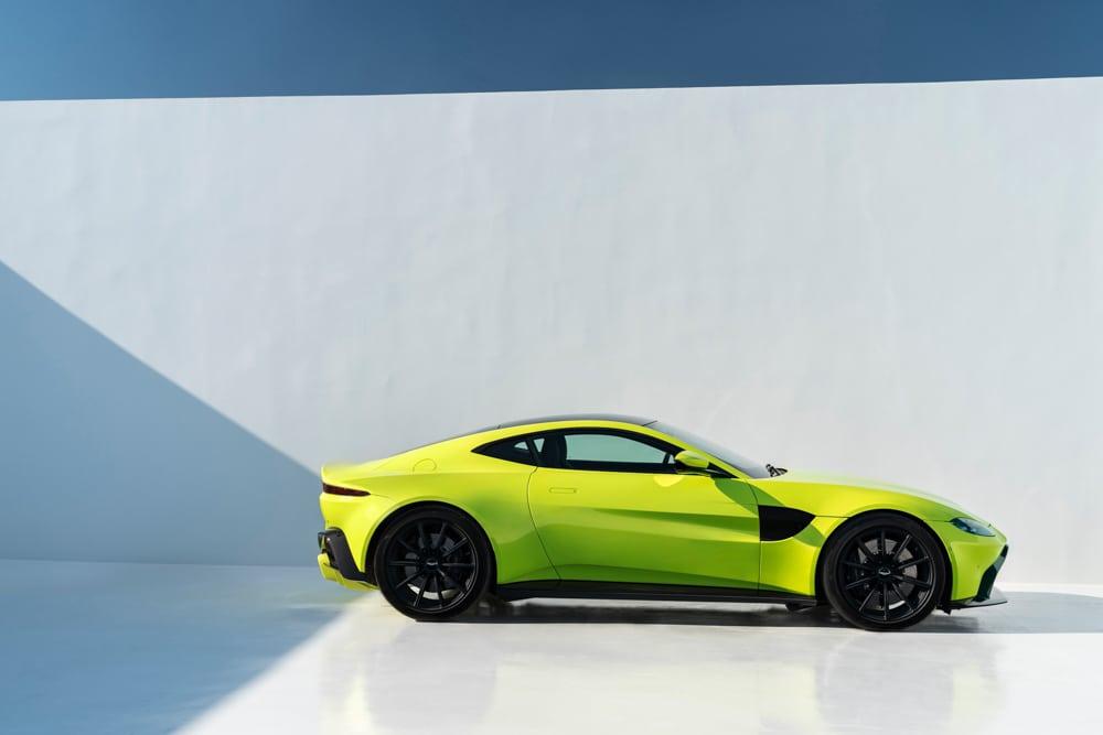 2019 Aston Martin Vantage_08