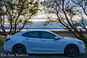 2018 Acura TLX V6 A-Spec SH-AWD_078