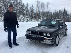 Another BMW 325IX and Simon.
