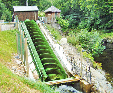 Archimedes screw similar to the one in the fish ladder at the Potter Valley Diversion