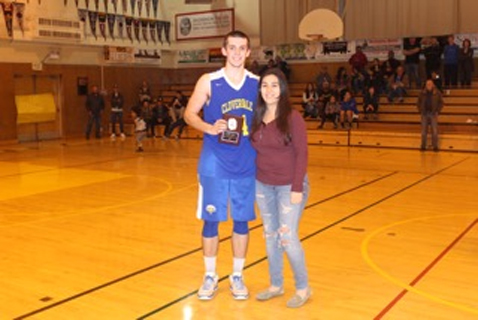 MVP Jayson McMillan with Tournament Hostess Rosie Guerrero (Photo by Miguel Barajas)