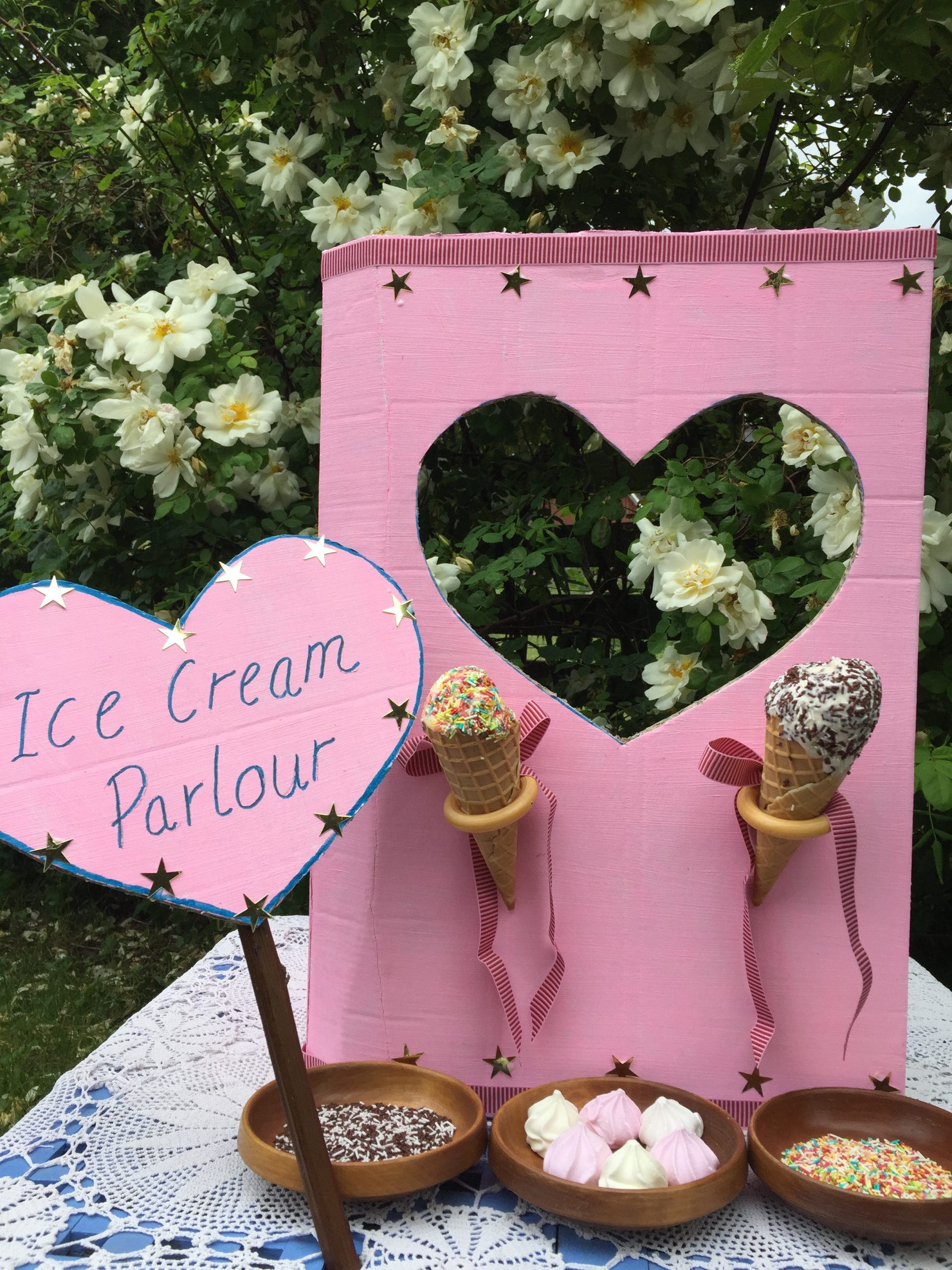 Make a cardboard box Ice Cream parlour! – a sustainable kids party idea