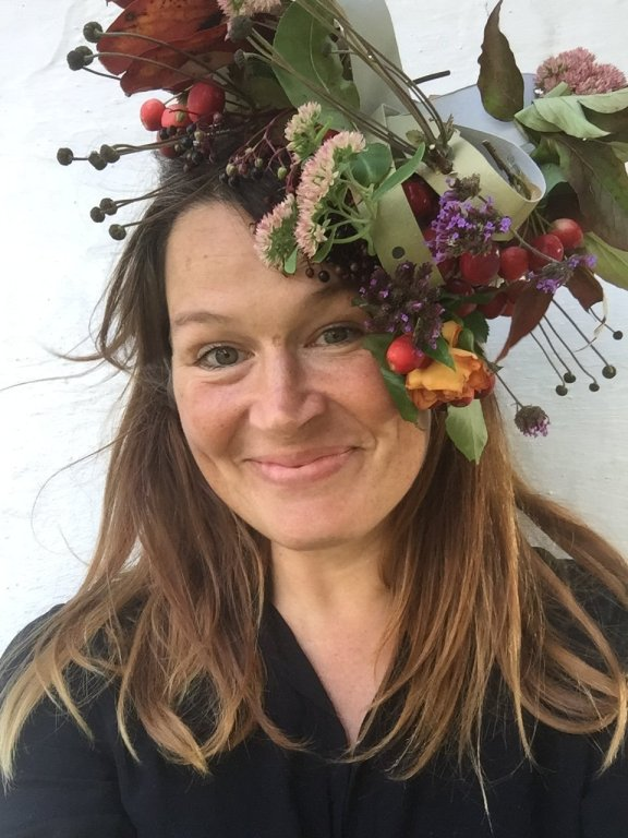 Ulla Lake on the awesome childhood project blog - wearing an easy autumnal floral fascinator DIY craft