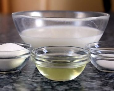 Salt and oil massage mixture