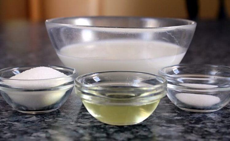 Salt and oil massage mixture