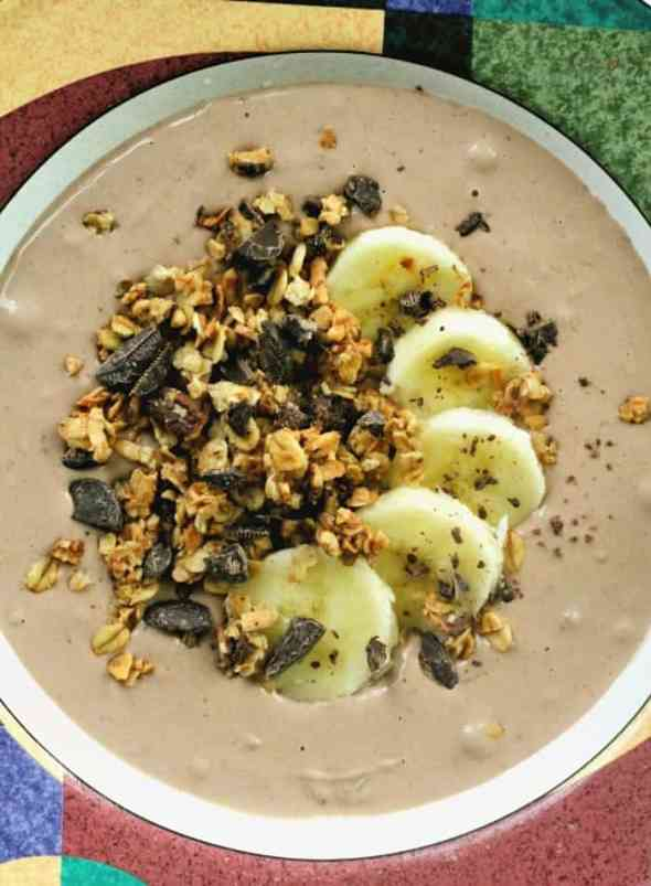 Chocolate PB Hi-Protein Smoothie Bowl + 3 Tips to Making Them Perfect