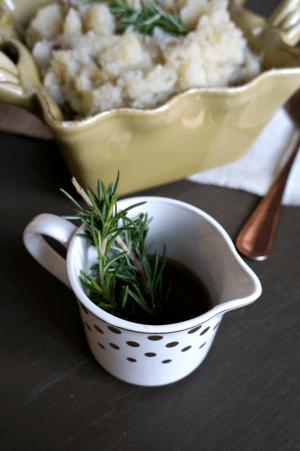 rosemary roasted garlic mashed potatoes | The Baking Fairy
