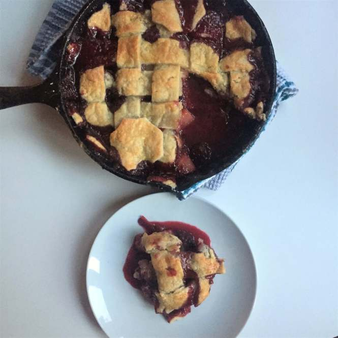 cast iron skillet recipes - pears and berry pie