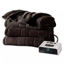an electric blanket