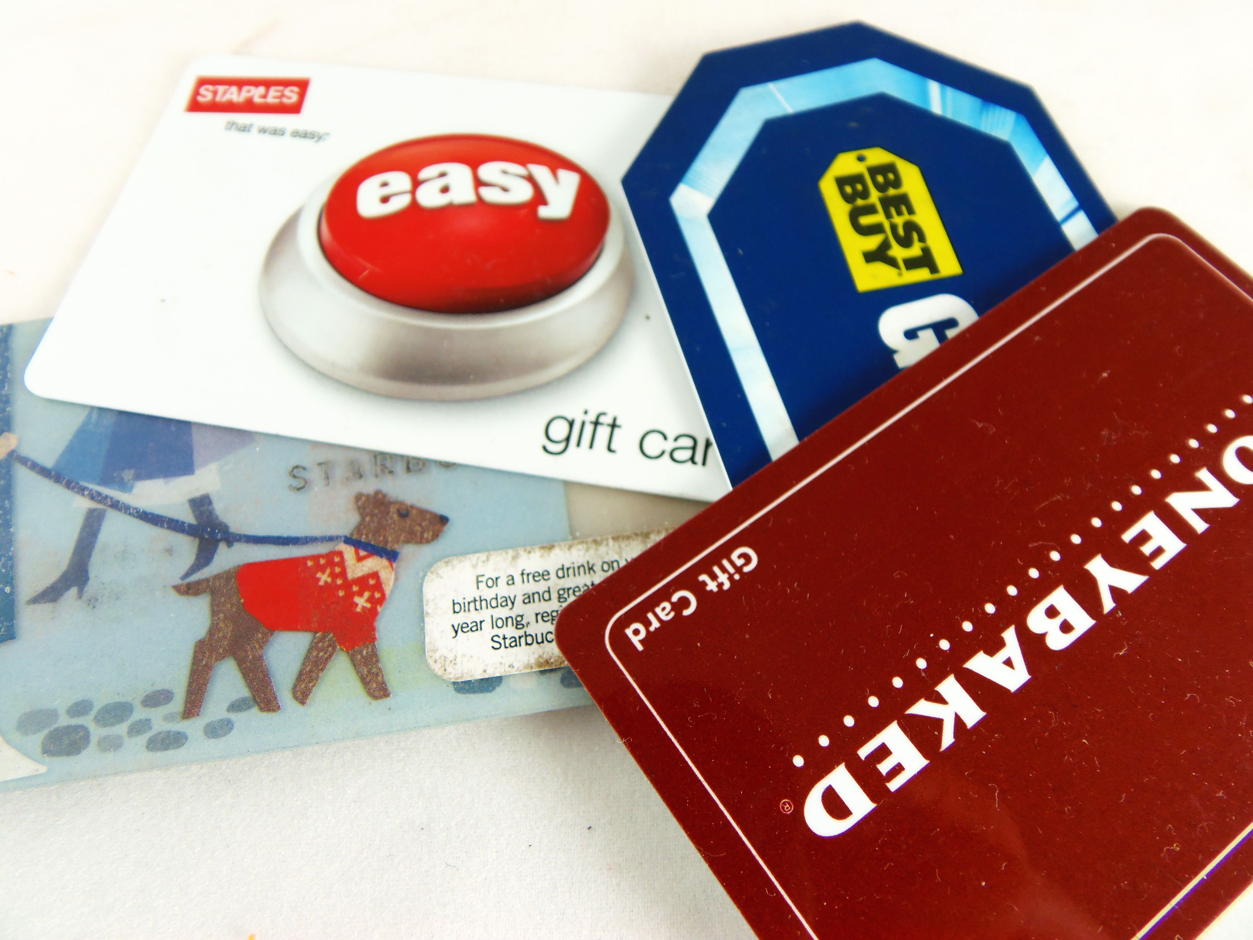 Holiday Gift Card Bonuses From Top Brands