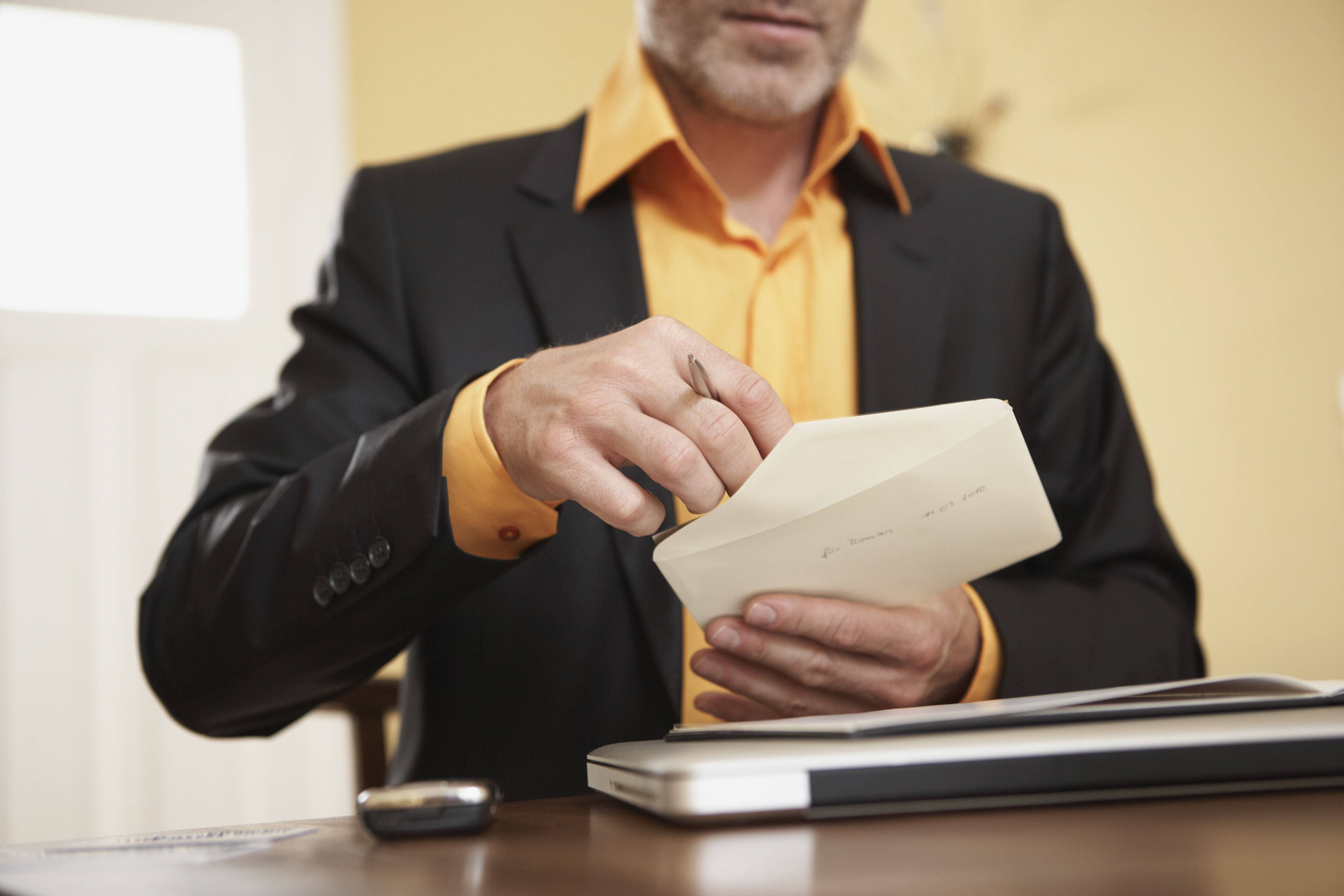 Notifying Employees About The Earned Income Tax Credit